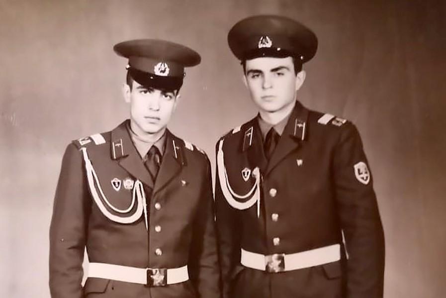 -Ефанкин-справа-с-Андреем-Мусташевским-в-1980-г