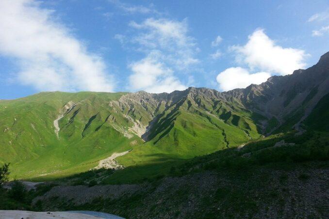 b-mountains-948703-1280-678x452
