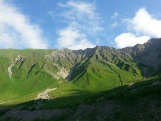 cropped-b-mountains-948703-1280-326x245
